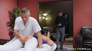 Masseur fucks man's wife so hard that she swallows his sperm