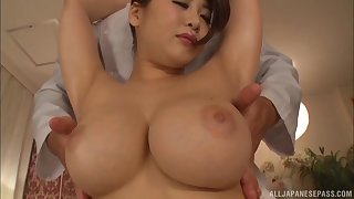 Leader Japanese model Oshikawa Yuri gets her cunt fucked from side with