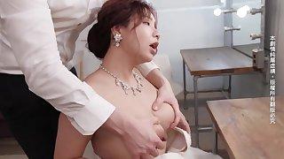 Japanese stunner satisfying porn clip
