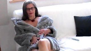 Busty Tina - (Fake) Fur (SC please don't delete)