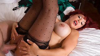 Sexy Vanessa & Danny Wylde in My Friends Hot Mom