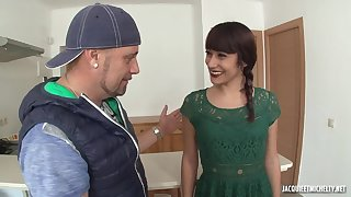 Amateur slim MILF Lucia first anal scene