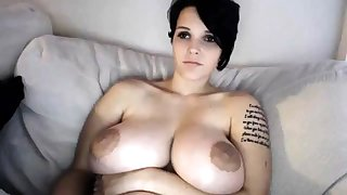 Prex MILF toys her pussy on webcam