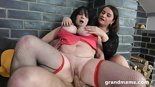 Handsome dude enjoys fucking two mature BBW sluts on the sofa