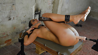 Isabella Chrystin & Ar thither Submissive Brunette Whore Gets Machine Fucked - KINK
